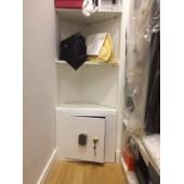 Сейф в гардеробную по размеру.